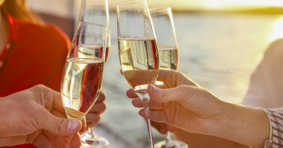 Ibiza champagne