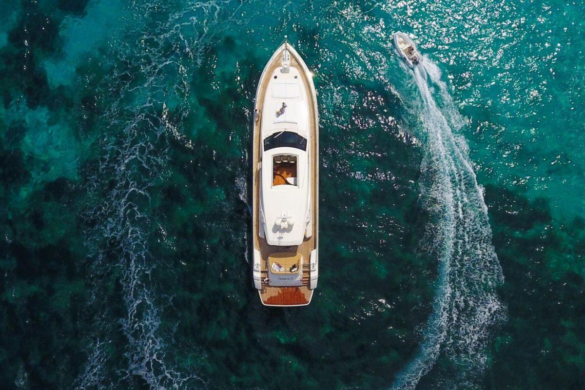 Week boat rental